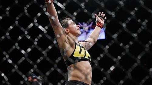 41a25eed4f5fc45e4f58265d516e6147 - Клаудия Гаделья вернётся на UFC Fight Night 100