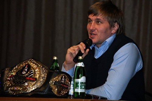 75b944d4987115e3f3efa0b7212b0249 - Bellator лишил Минакова титула, а Уилла Брукса уволил