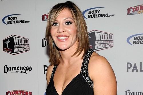 """Крис """"Киборг"""" выступает за увеличение женских весовых категорий в UFC"""