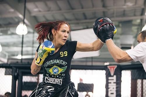 """Крис """"Киборг"""" грозит UFC уйти из промоушена"""