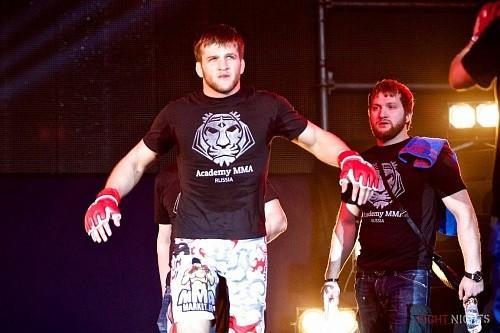 Дебют Эдилова в UFC откладывается