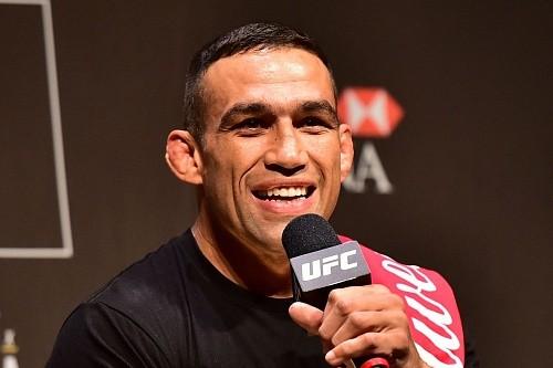 Фабрисио Вердум получает травму и не будет драться на UFC 196