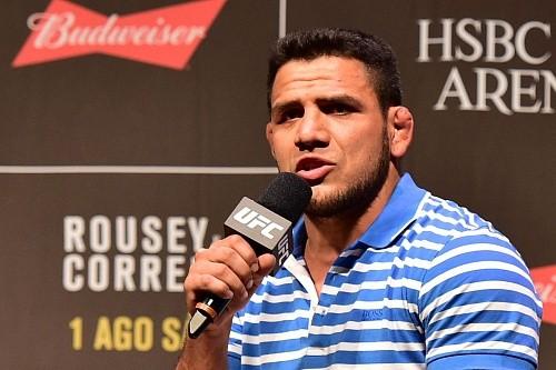 Рафаэль дос Аньос готов драться на UFC 200 с любым соперником, в любом весе