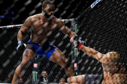 Выплаты Reebok участникам UFC 201: Лоулеру достаётся $40,000